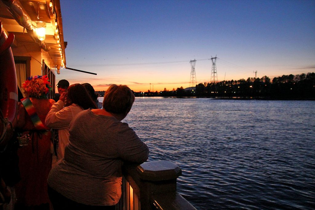 Paddlewheel Cruise Pub Nights on the Fraser