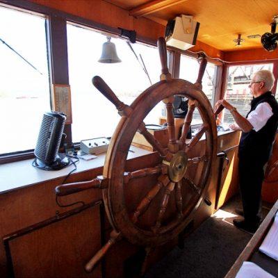 Fraser riverboat Paddlewheeler